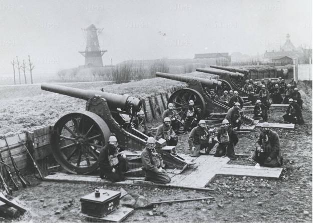 Oefening met 12 lang staal bij bastion 9 - 1928-1930 volgens het NIMH